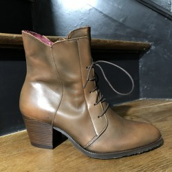 BOOTS MARIAN