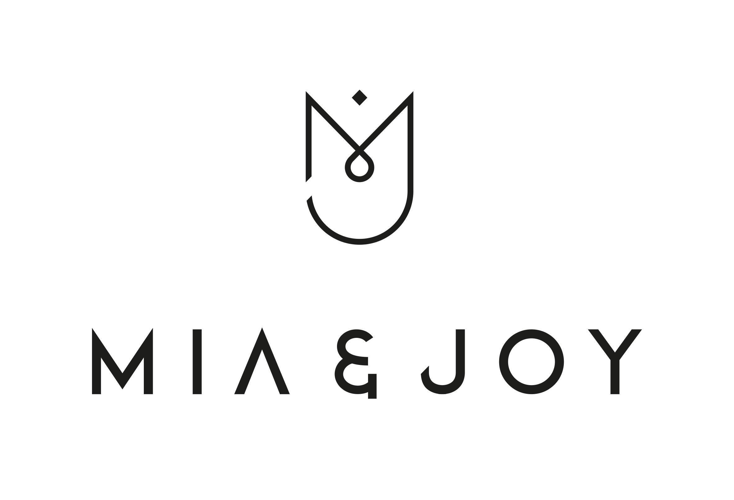 Mia & Joy